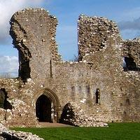 Llawhaden Castle1