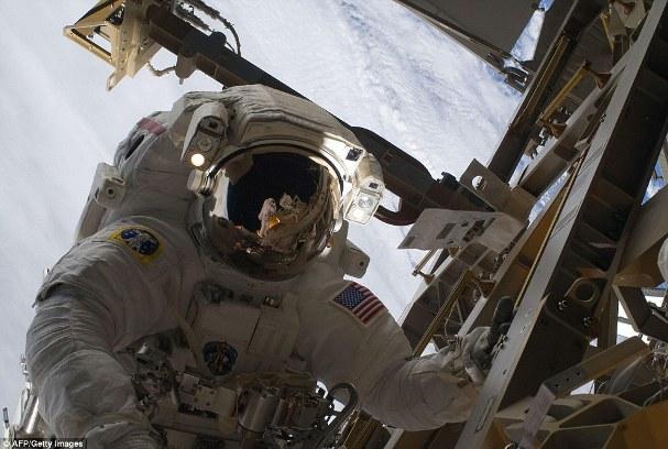 Space Shuttle Landing 07